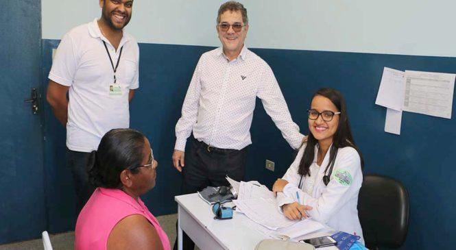 Prefeito visita posto de saúde em Itamirim e confere atendimento médico