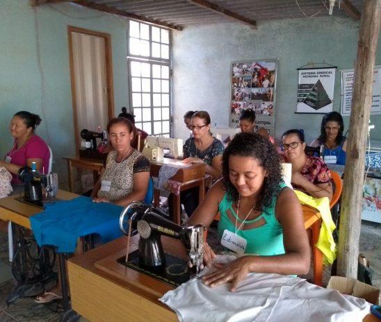 Sebrae Minas e parceiros realizam Seminário da Moda em Espinosa