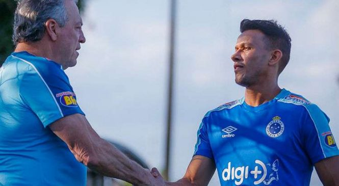 Ameaçado, Cruzeiro aposta em ajustes para voltar a vencer em duelo direto contra Flu