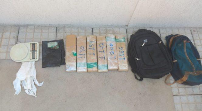 Rapaz é preso com sete quilos de maconha dentro de mochila em Montes Claros