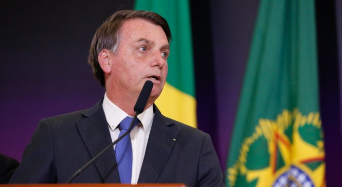 Presidente sanciona lei e saque do FGTS sobe de 500 para até 998 reais