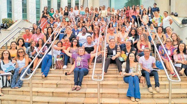 Mulheres tornam-se 'multiplicadoras de direitos' em MOC