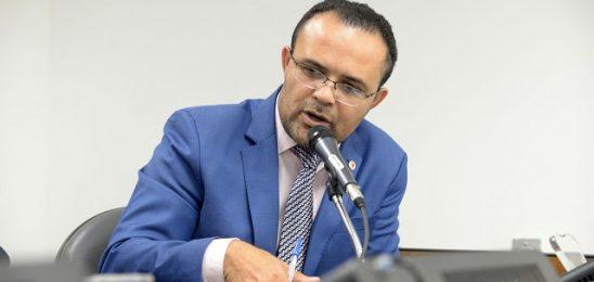 Deputado Zé Reis propôs projeto para isentar água e luz